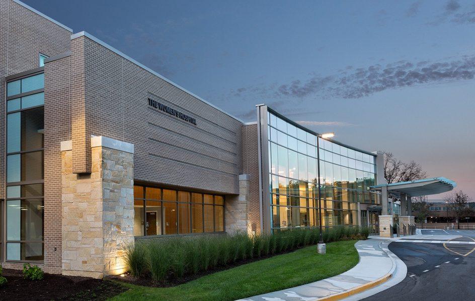Surrounding Landscape Inspires Expansion Renovation Design Of