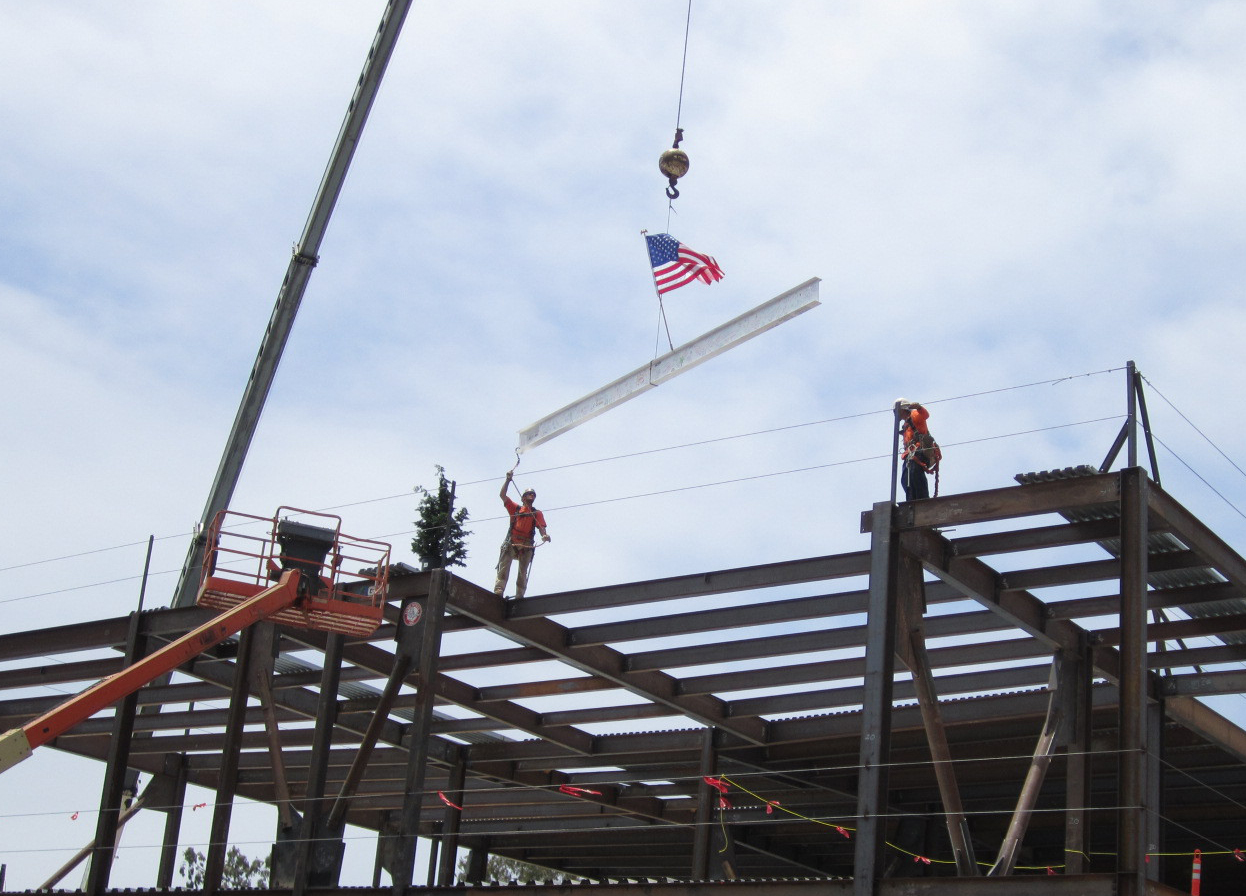 Goleta_topping_out